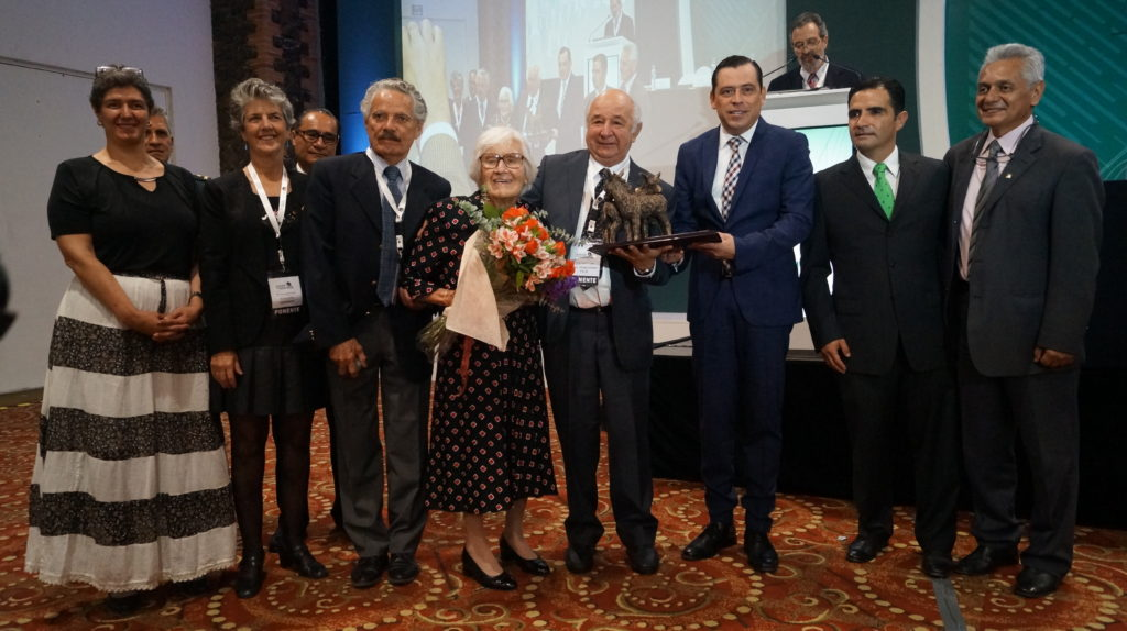 Dr. Aline Aluja with academic and official authorities